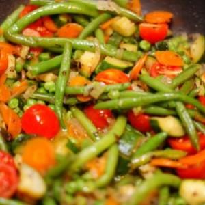 Диетическое блюдо. Тушеные овощи.