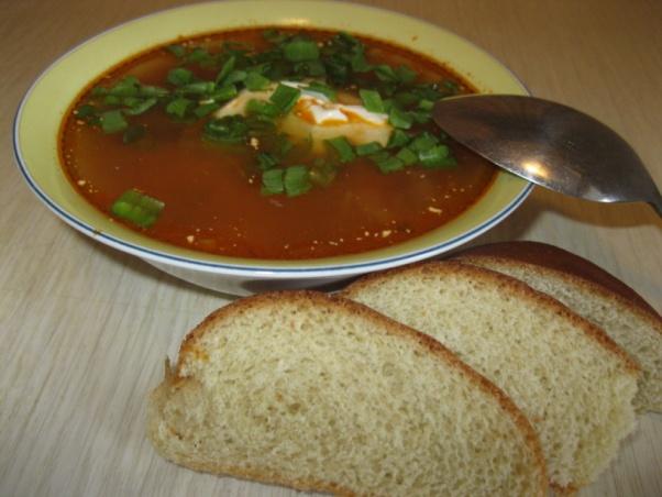 Томатный суп с зеленью