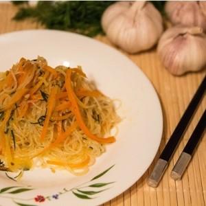 Салат из фунчозы – острый