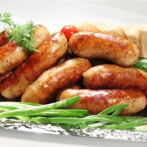 Домашние колбаски с пряными травами