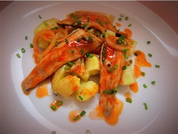 Рыба под горячим томатным маринадом