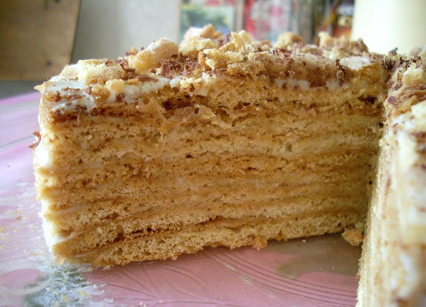 Медовый торт на сметане