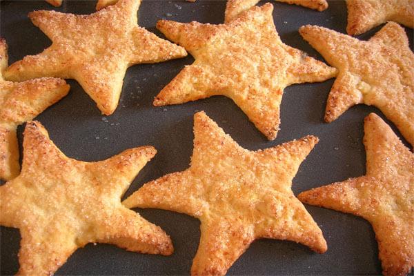 Песочное печенье и веселые фигурки из него