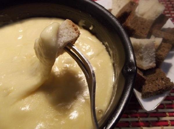 Рецепт традиционного фондю с сыром