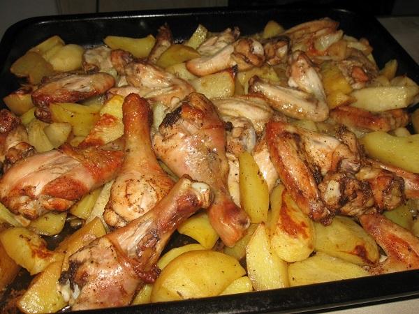 Курица с картошкой в духовке