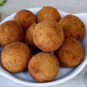 Картофельно сырные шарики во фритюре
