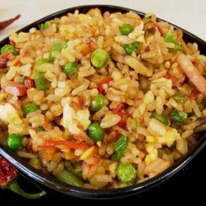 Жареный рис с яйцом по китайски